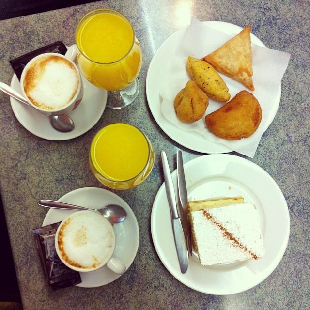 Вот он, завтрак моей мечты ) #porto #oporto #portugal #каникулыбонифация
