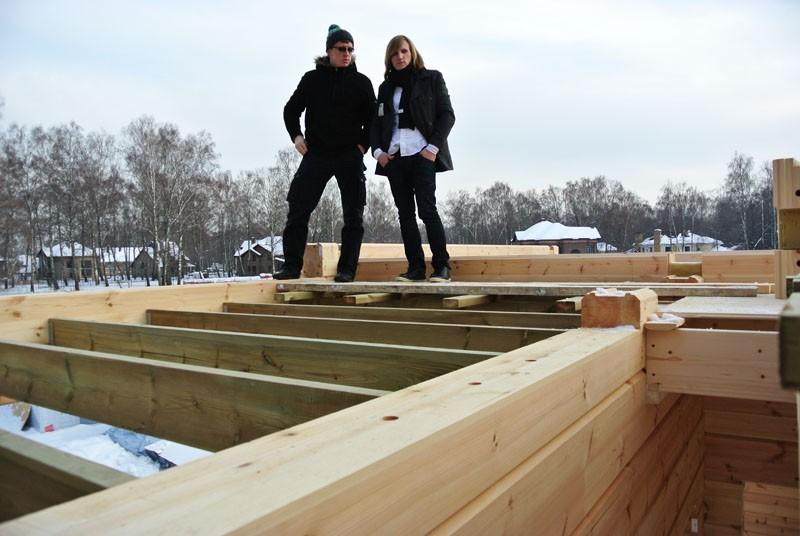 деревянный дом стройка