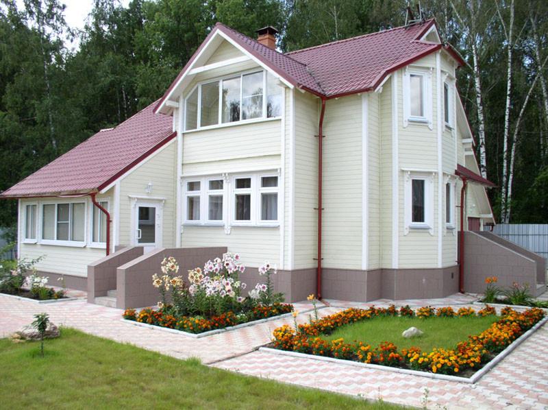 белый дом фасад
