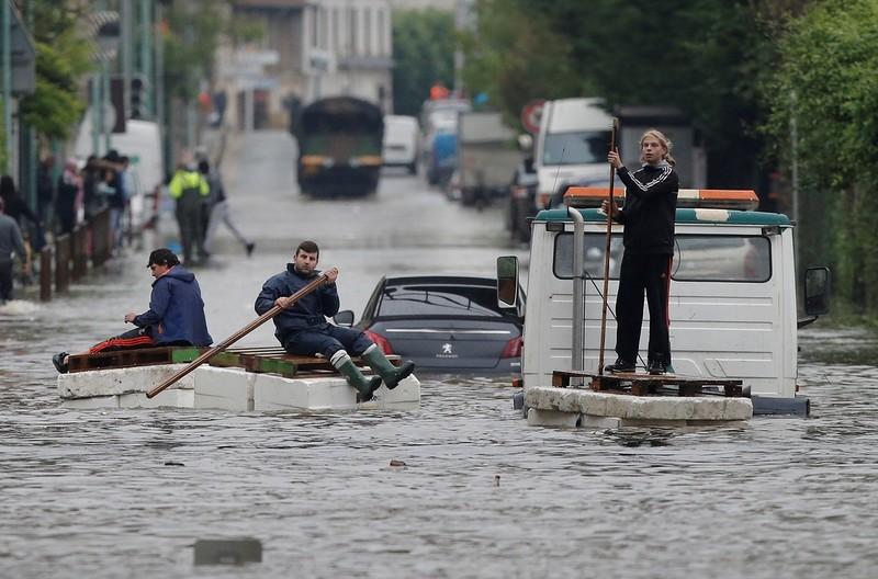 наводнение Париж.jpg