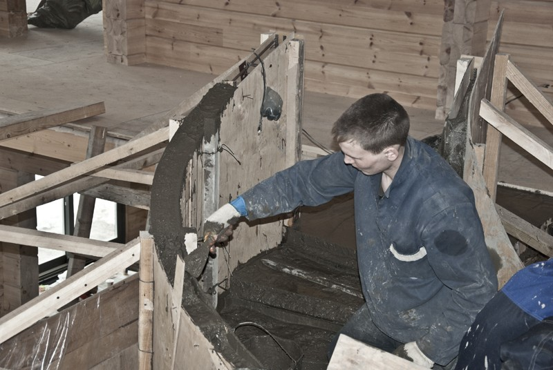 ровняем бетонные пирила
