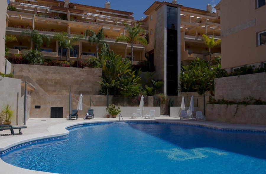 бассейн квартира в испании