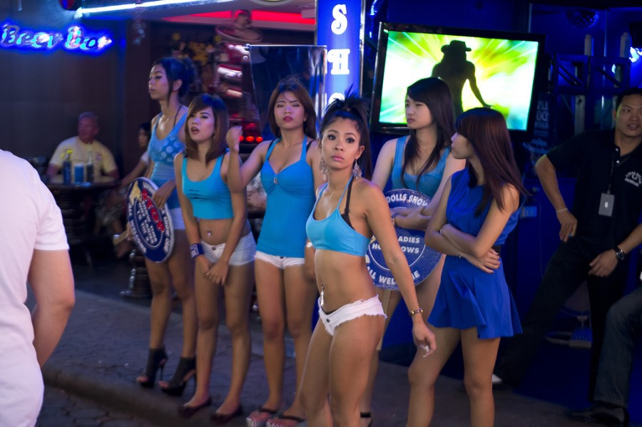 Трахает тайского мальчика фото 297-549