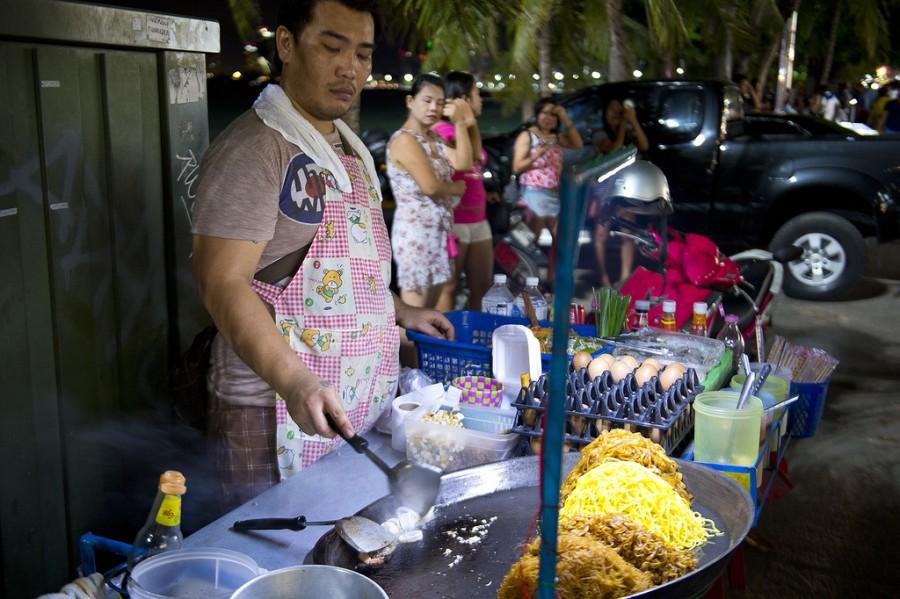 Трахает тайского мальчика фото 297-550