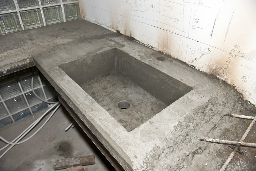 раковина из бетона