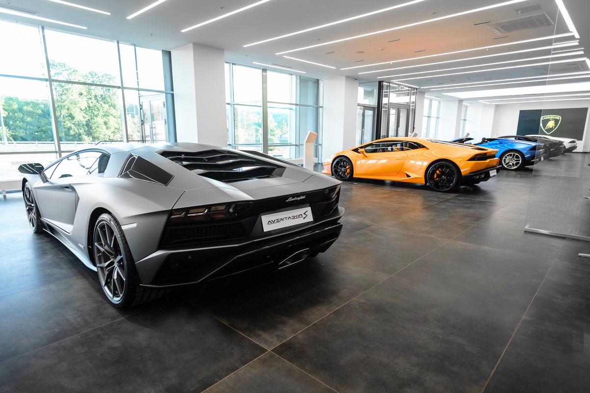 Хамское отношение к клиентам Lamborghini