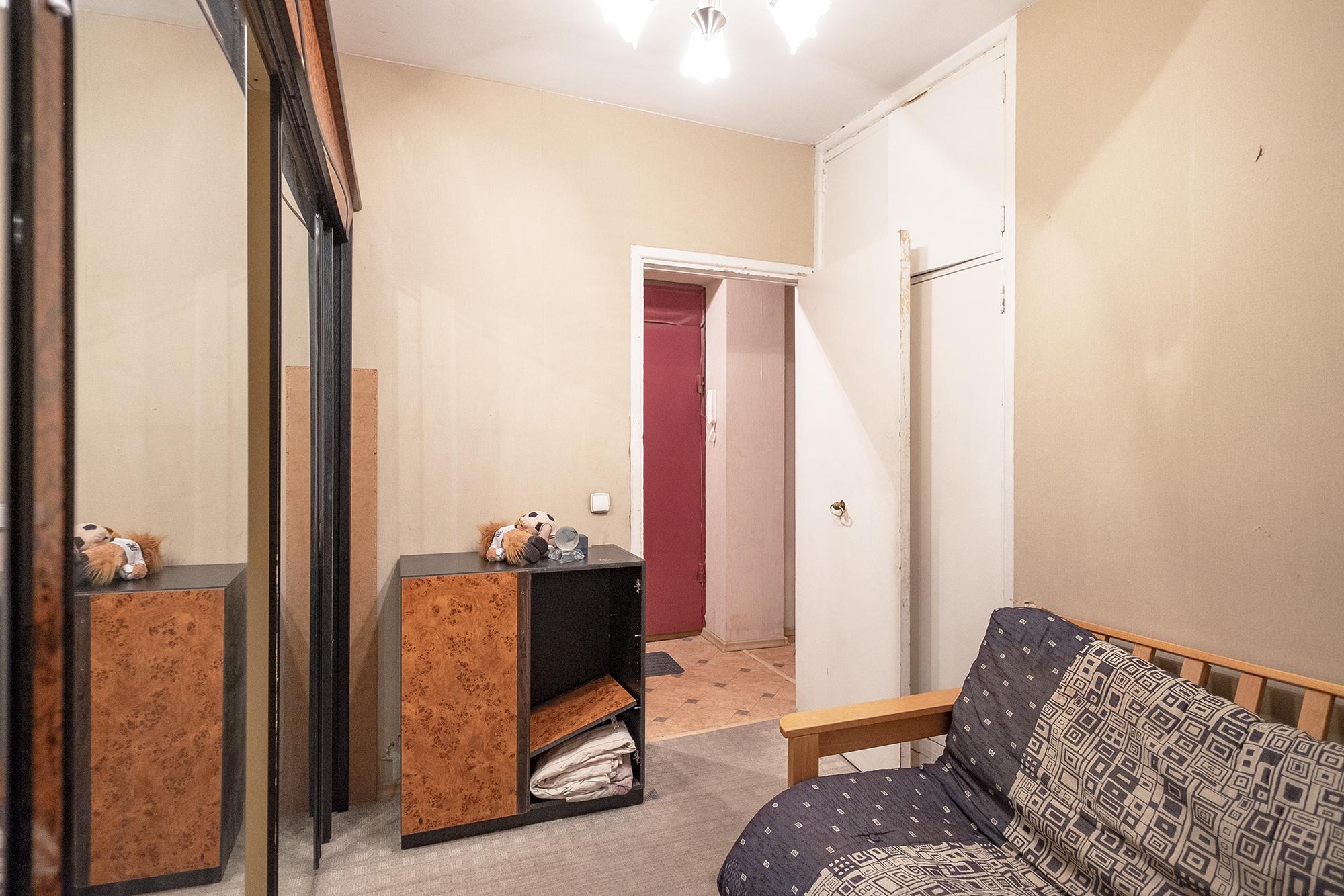 Сменил крутую квартиру на старый бабушатник