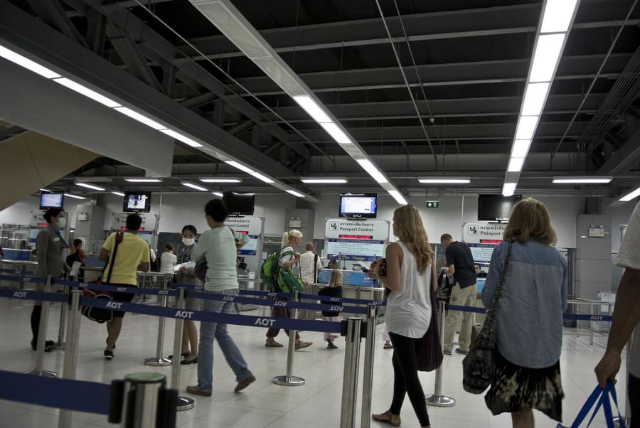 общая очередь на паспортный контроль