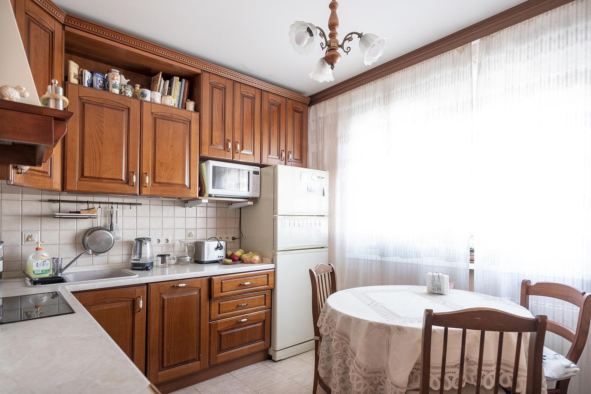 Вынужден продать родительскую квартиру родители, после, который, Конечно, пришлось, ремонт, Сложились, шестиметровой, поставили, дорогую, временам, кабину, функций, кучей, Тогда, дешевых, китайских, денег, Кухня, пятиметровой