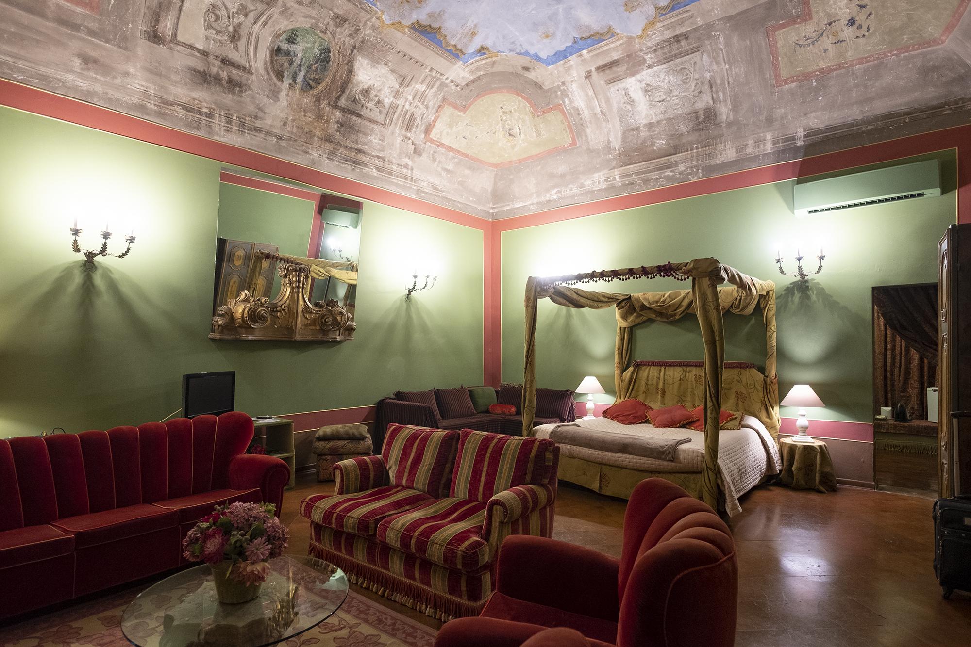 Странный отель в Италии
