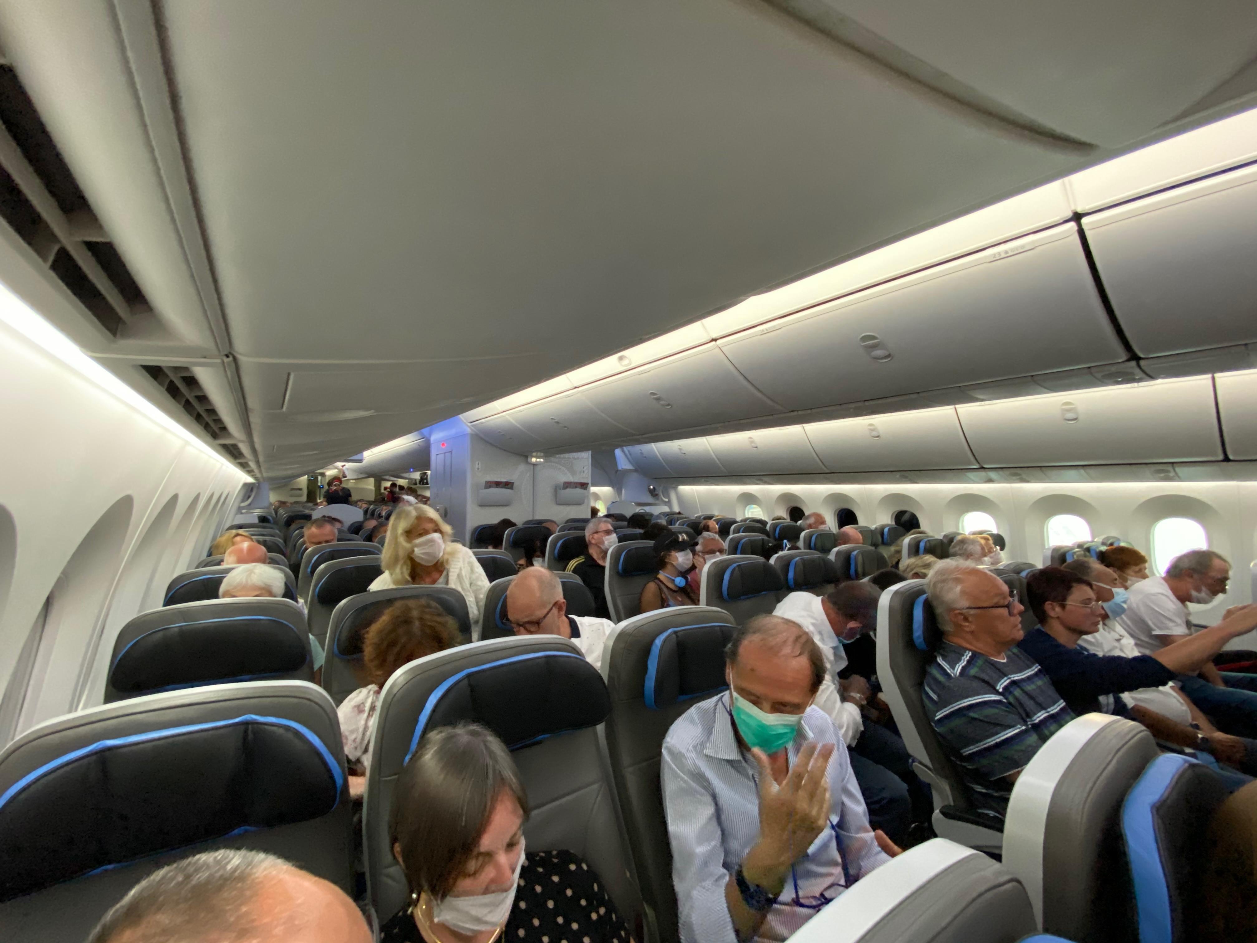 Как сорвалась эвакуация пассажиров карантинного лайнера Costa Magica