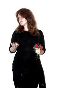 женщина с помидорами
