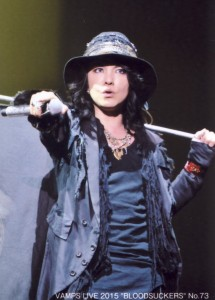 VAMPS TRADING PHOTO No.73.jpg