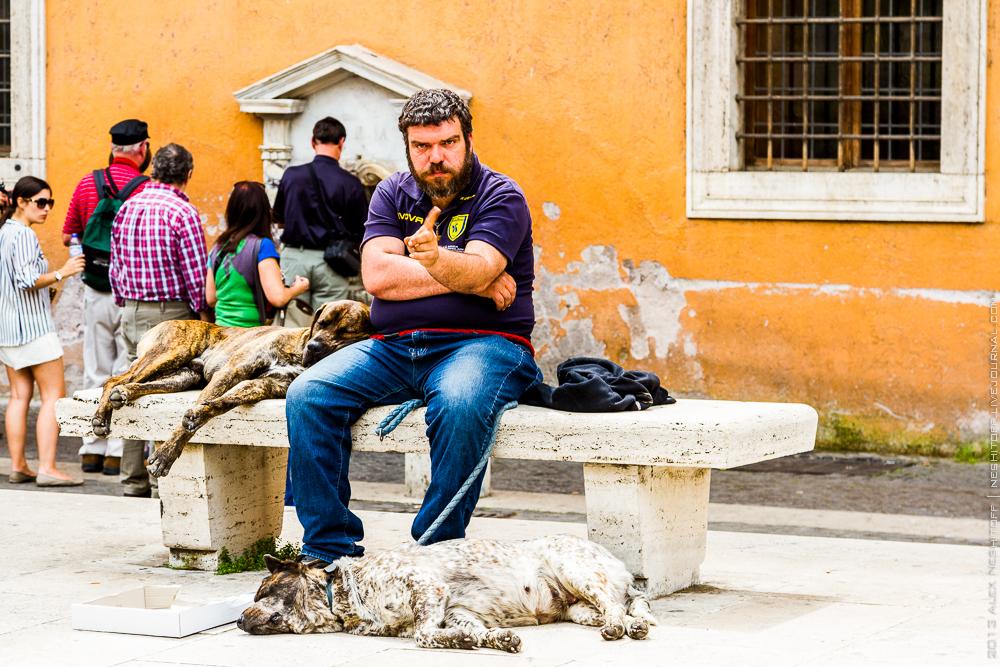 20130501-italy-rome-street beggars-008