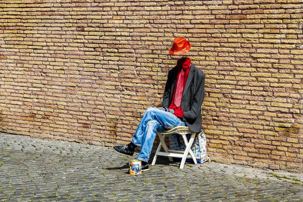 20130429-italy-rome-street beggars-003