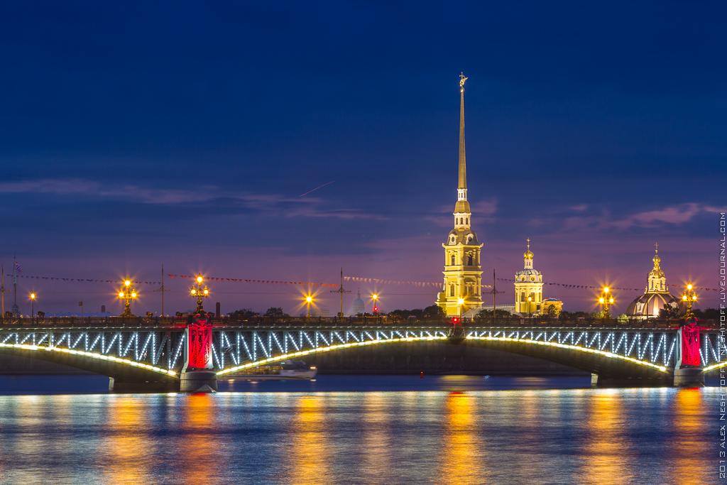 2013-Russia-Piter-Alye Parusa-002