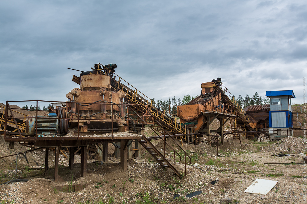 2014-Russia-Novgorodskaya obl-Old Quarry-004