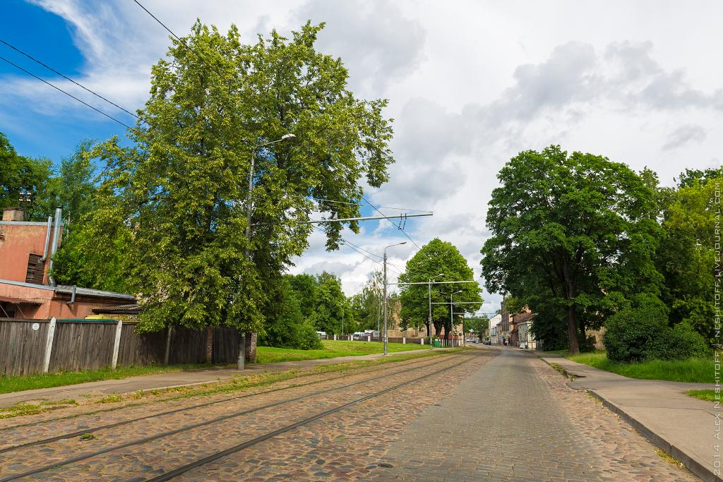 2014-Latvia-Riga-Woodenhouse-001