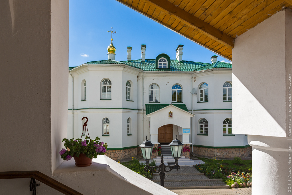 2014-Russia-Pskovskaya obl-Spaso-Elizarovskiy Monastir-002