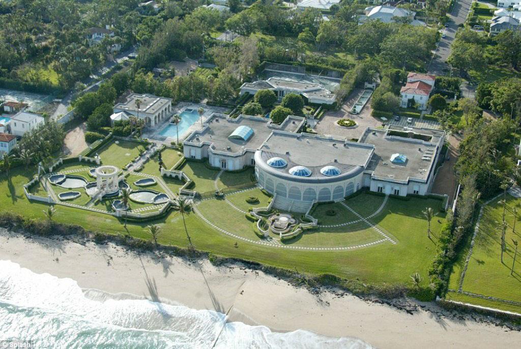 Дом российского олигарха Рыболовлева в Майами, оформленный на дочь