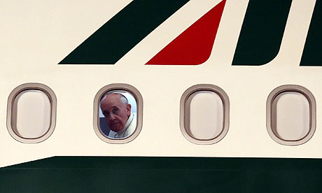 Pope-on-a-plane-008