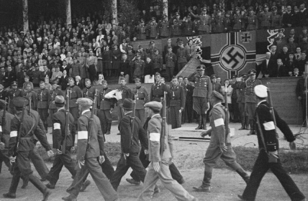 О фашистах, полицаях и Медведеве
