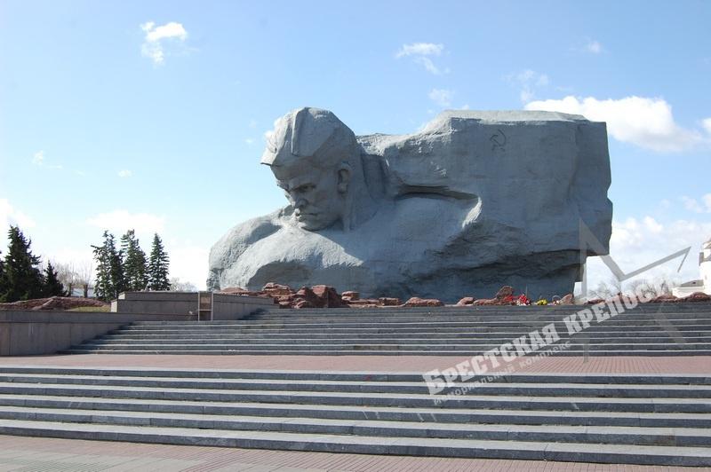 Главный монумент мемориального комплекса Бресткая крепость
