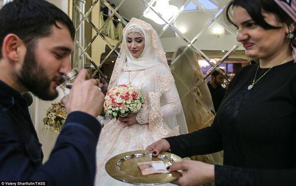Секс россия свадьба чечня