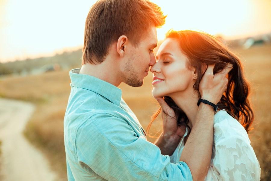Молодая пара меняется партнёрами фото 404-665