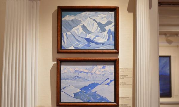 49 1) Снежный подъем (1924) Холст на картоне, темпера (29,8 х 49,4); 2) Хребет Эвереста (1924) Холст на картоне, темпера (30,4 х 40,3)