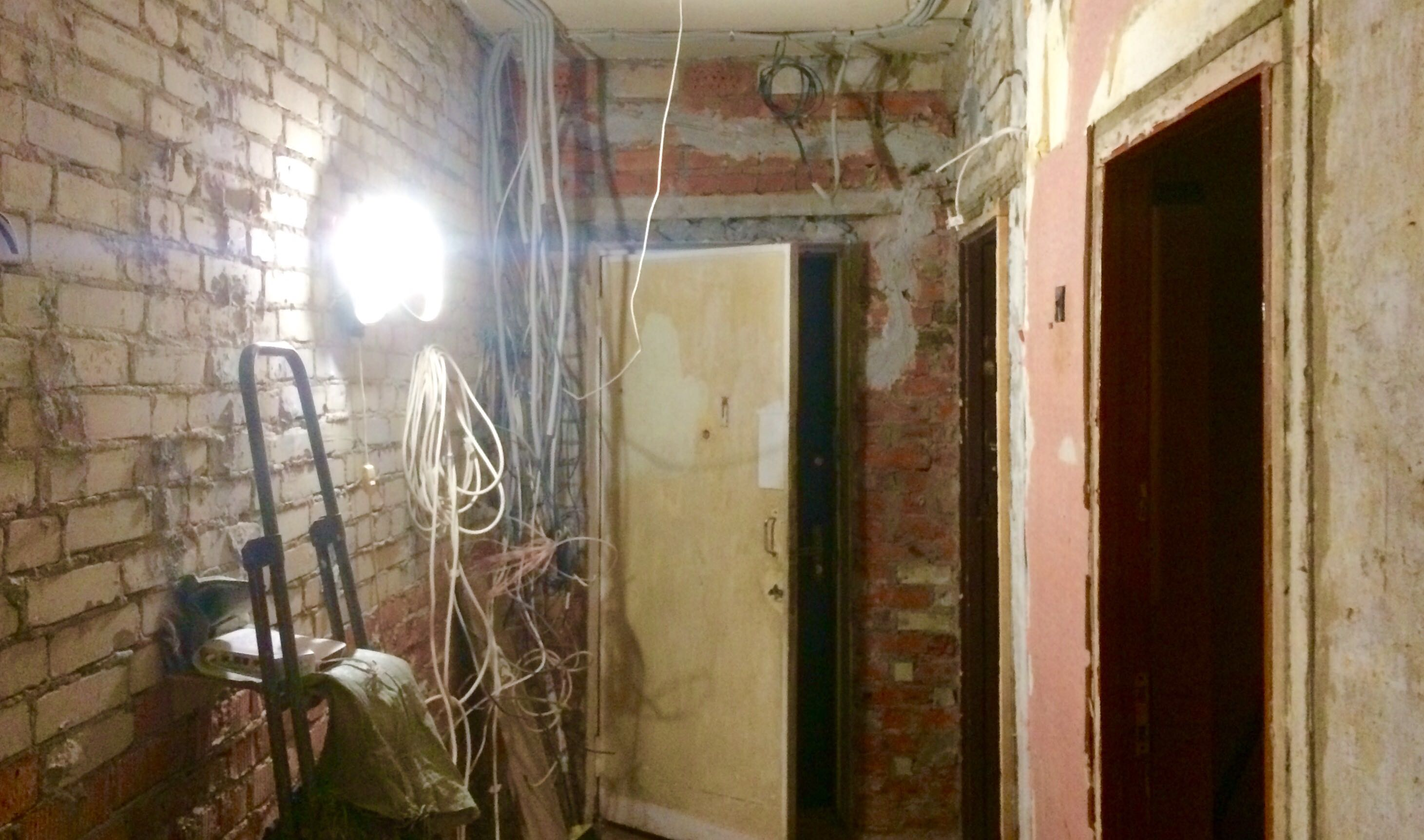 Как выровнять стены в коридоре своими руками 100