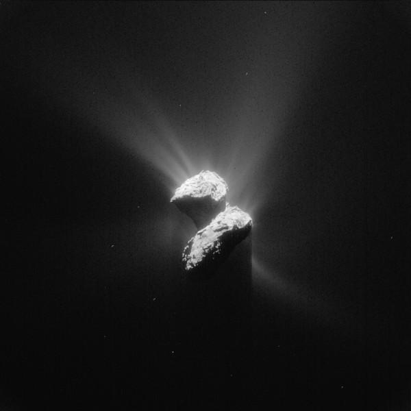 0_ESA_Rosetta_NAVCAM_20150605_enhanced