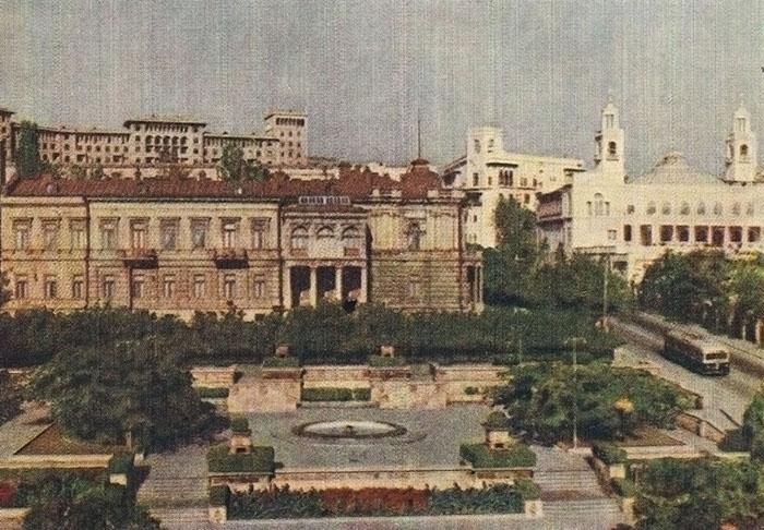 Азерб гос музей искусств им Мустафаева