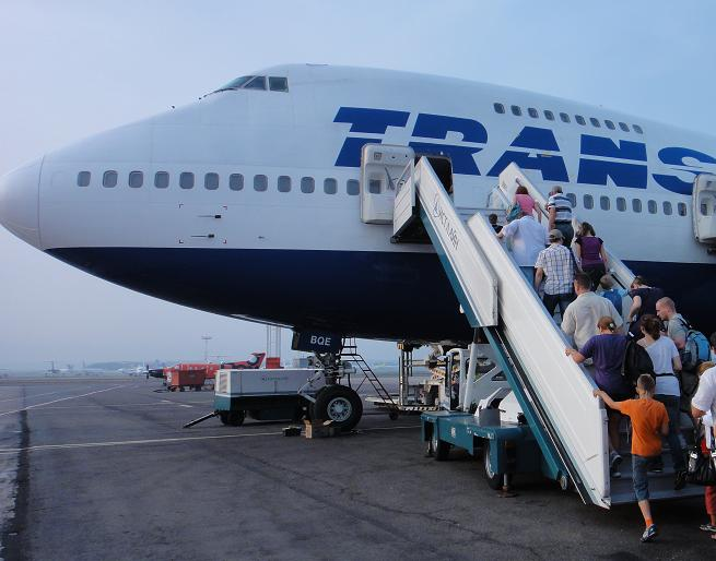 Боин-474, вылетающий рейсом Трансаэро в Болгарию