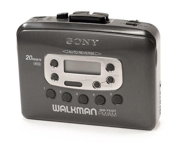 588px-Sony-wm-fx421-walkman