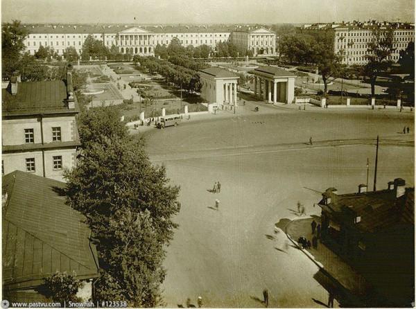Площадь Диктатуры, 1930-е гг
