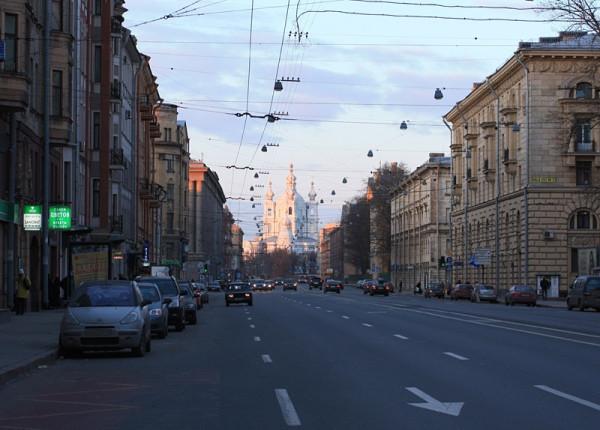 Суворовский проспект, вид на Смольный