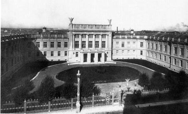 Здание Николаевской академии Генерального штаба. 1900-е гг