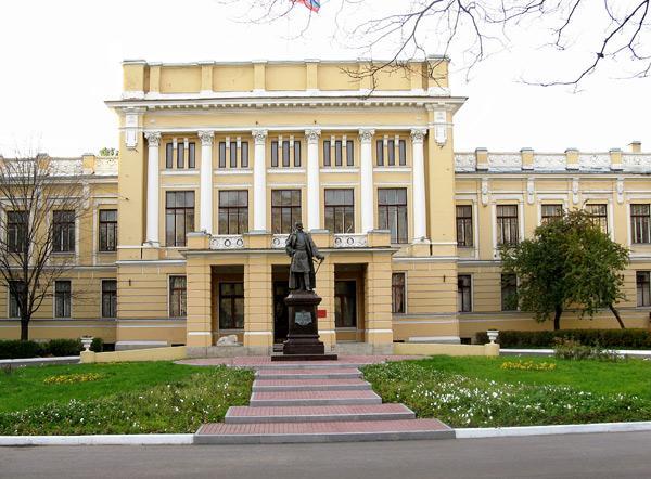 Здание Николаевской академии Генерального штаба. 2008 год