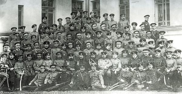 Выпускники Николаевской академии Генерального штаба. 1913 год
