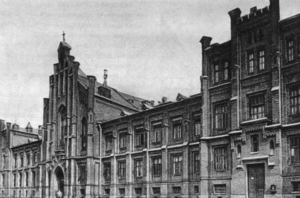Евангелическая больница и лютеранская церковь, 1905-1915 гг