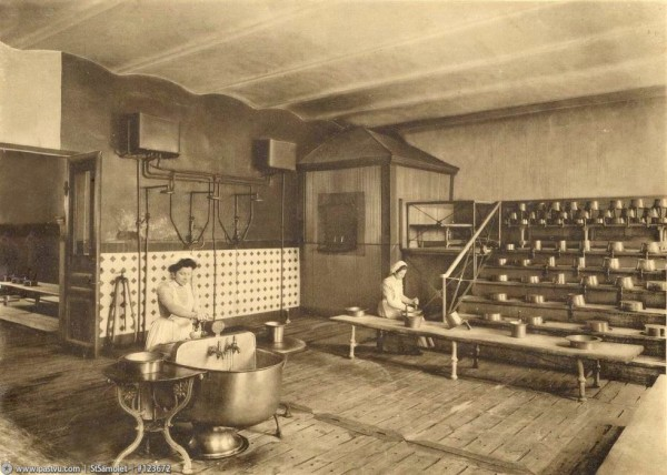 Смольный институт. Помывочная, 1914 год