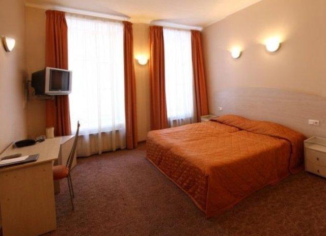 room_1841