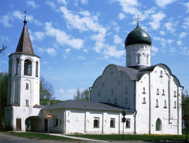 Церковь Федора Стратилата на Ручью. 1360-1361 гг.
