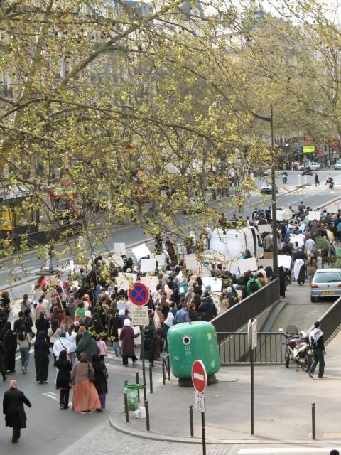 Toute la manifestation. 17h, 2 Avril 2011