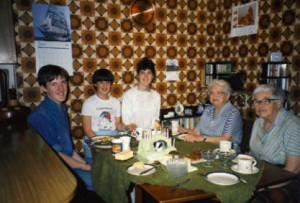 44 1987 Sunday lunch