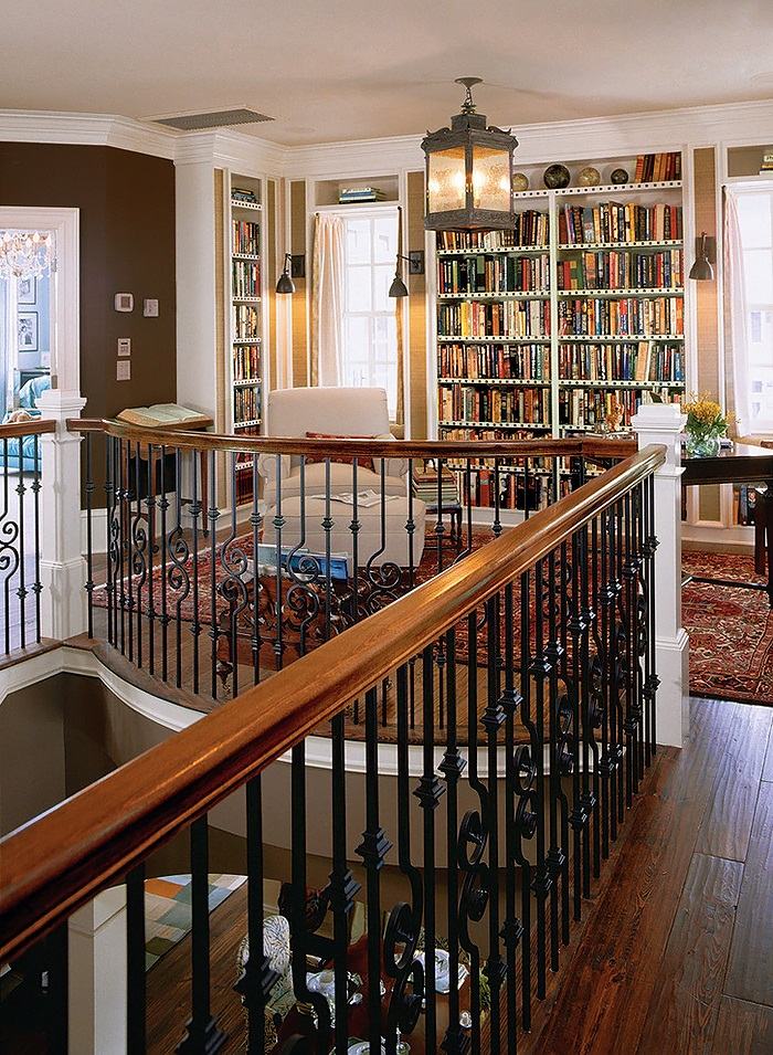 Margaret-Donaldson-Interiors-Southern-Living-eclectic-staircase