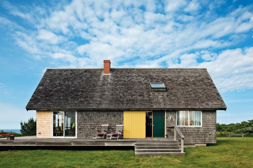 Dwell Jens Risom's Block Island Family Retreat risom-residence-facade