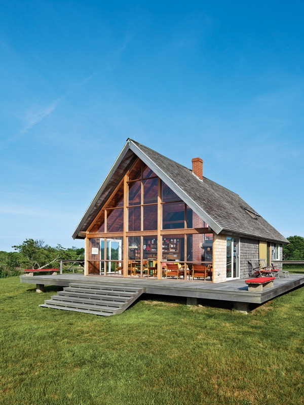 Dwell Jens Risom's Block Island Family Retreat risom-residence-exterior-back-side-view