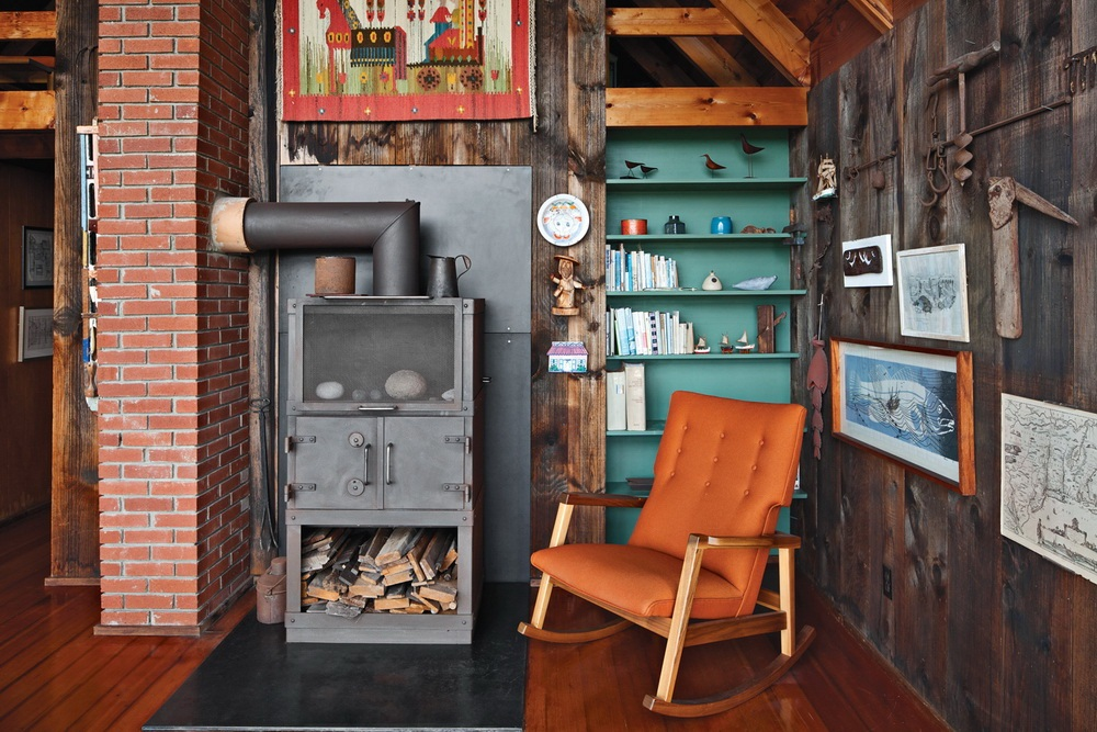 Dwell Jens Risom's Block Island Family Retreat risom-residence-firestove-area